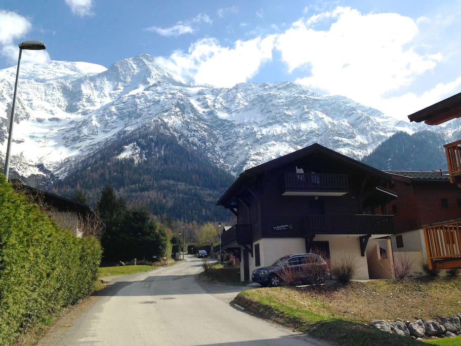 Le Petit Pin. A place to call home at the base of the Mont Blanc. 2.5 bedroom 60m2 duplex apartment is part of a small property (three floors) at the base of the Mont Blanc