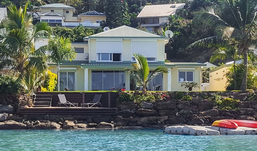 SEASIDE VILLA DREAM@TINA SUR MER-NOUMEA, B/B,AC,PK