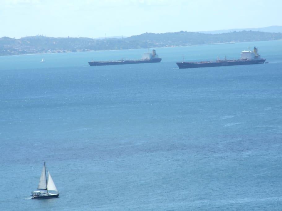 Schiffsverkehr vor der Wohnung