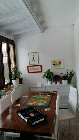 Casa con giardino e posto auto vicino a Bergamo