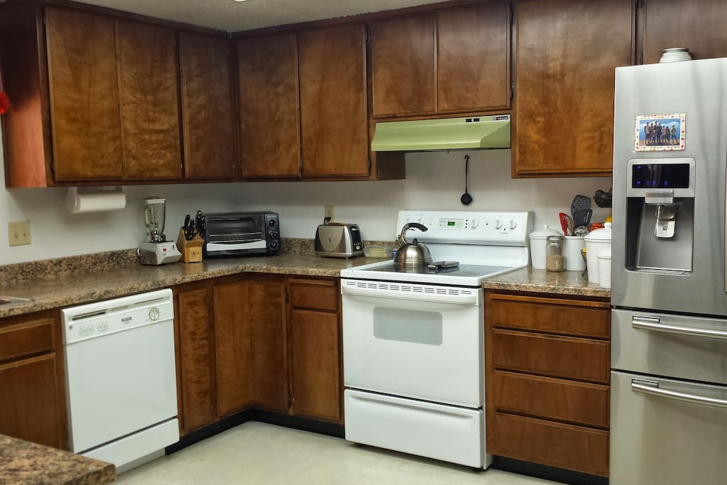Fully equipped kitchen for your use.