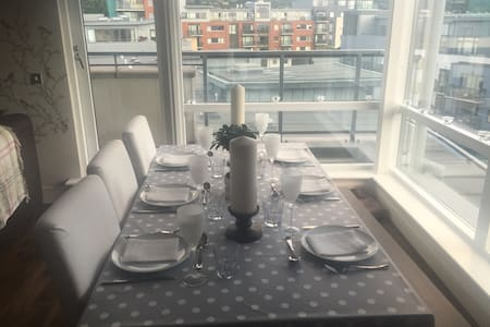 Bright top floor apartment in Wyckham Point - 都柏林