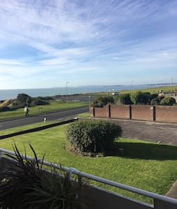 Sea view beautiful 2 bed apartment - Barton on Sea - Apartemen
