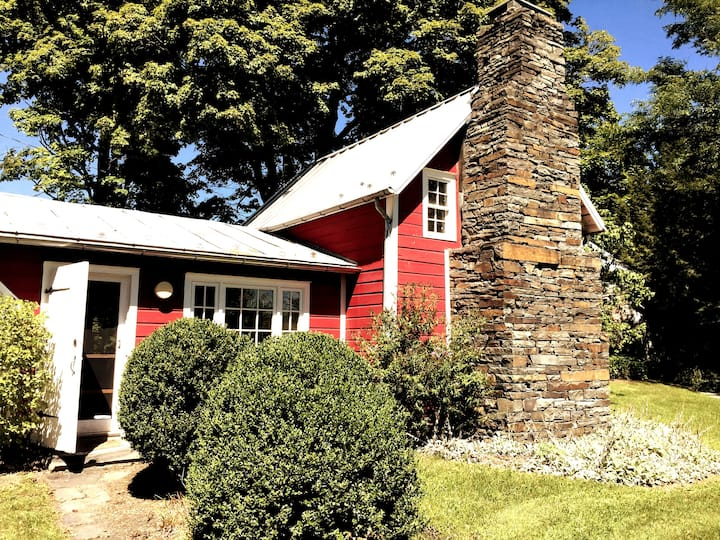 +Unique+Chic+Charming Hudson Valley Barn Retreat+