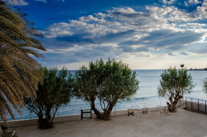 Cretan Ethereal House by the sea - Ierapetra - Apartment