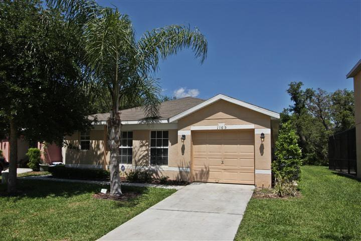 4BR/3BA Private Pool/spa Area Backed on Woods #860