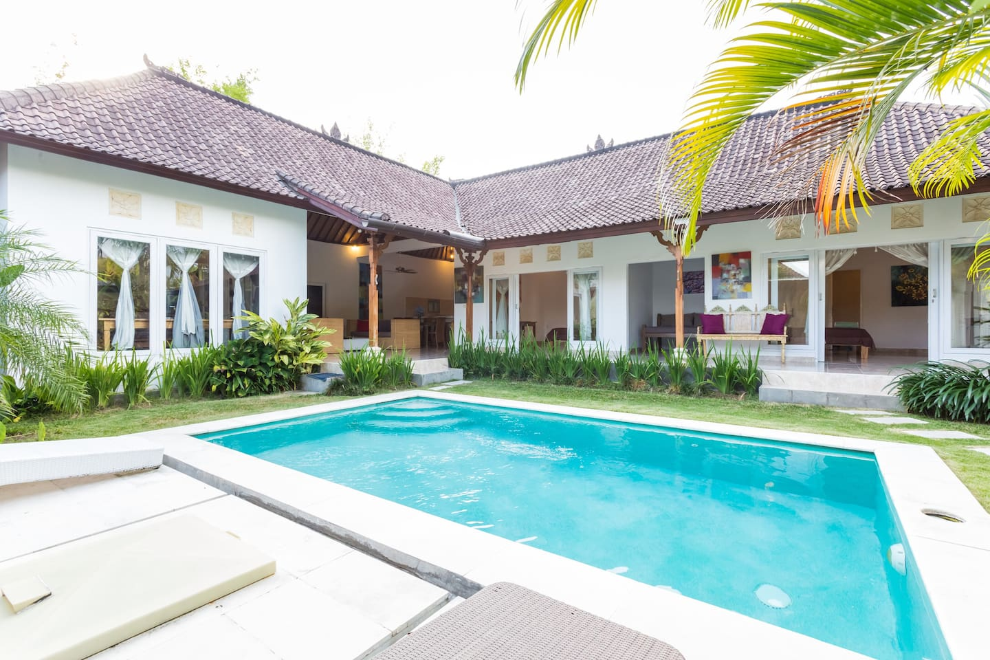 Prime Seminyak 2 Bed-Walk to Oberoi