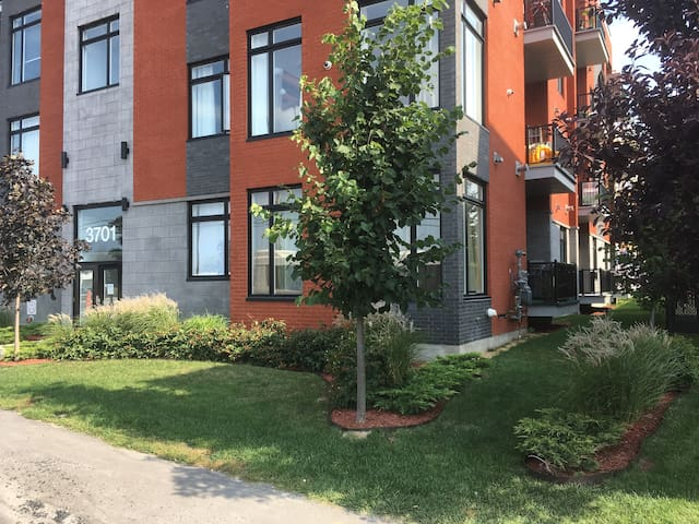Longueuil Condominium close to downtown Montreal