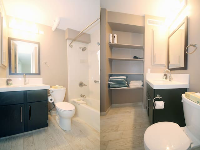 Second bathroom with a bath tub for the little ones.