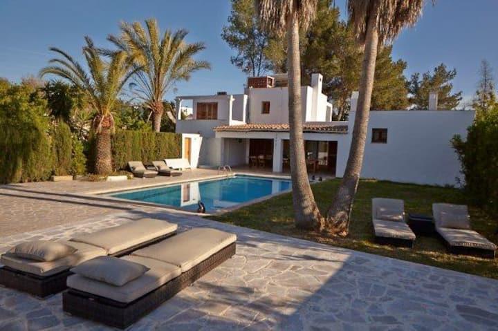 Bonita casa ibicenca 9pax 3km Ibiza