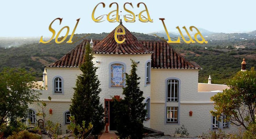 B&B in magnificent country chateau - Tavira - Bed & Breakfast