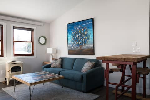 Private 1BR/1Bath apt, Downtown Steamboat, Pet OK!