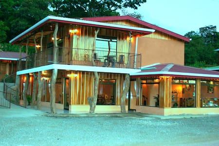 Monteverde Rustic Lodge, delightful