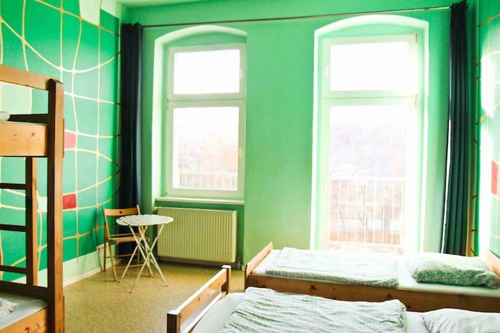 Elegant 4-bed room in Berlin