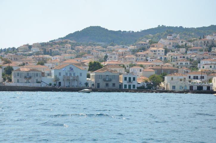 Spetses sea view home