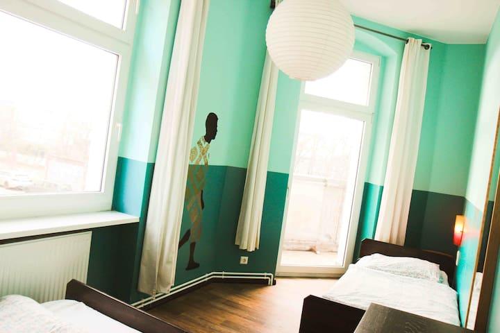 Lovely 2-bed room in Berlin