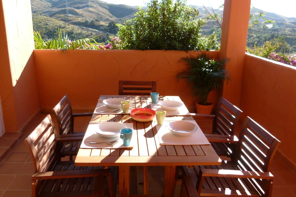 Outside dining with Hill Views