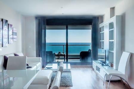 Lujoso apartamento vistas al mar  VFT/MA/00169 - Estepona