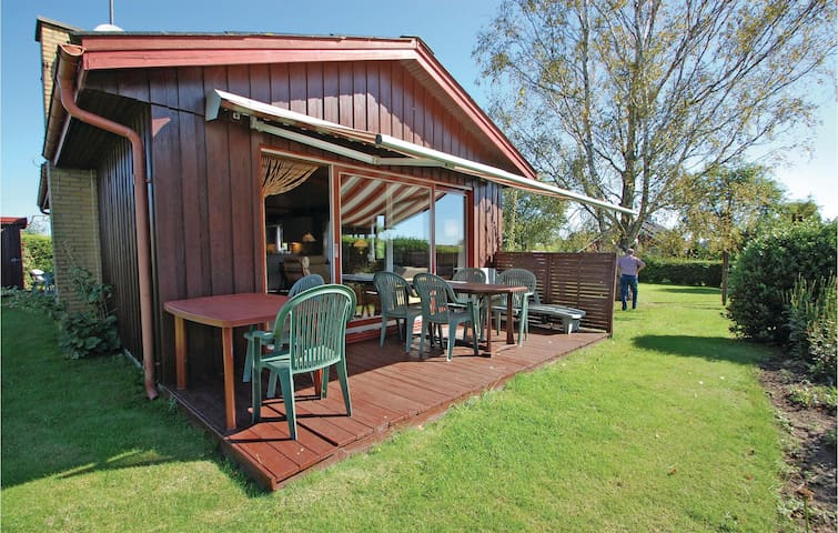 Holiday cottage with 2 bedrooms on 71m² in Hejls