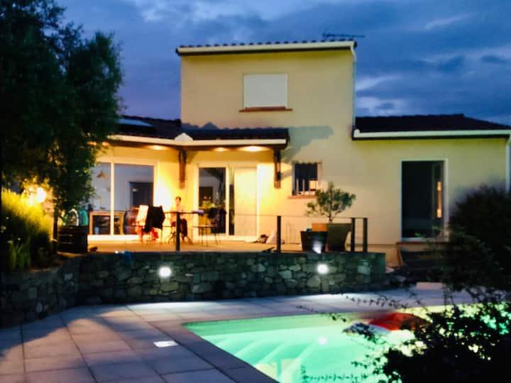 Villa avec Piscine  à 40 minutes des Pyrénées