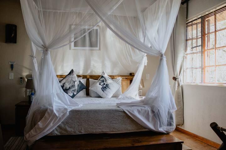 Royal Kruger Nature Lodge and spa