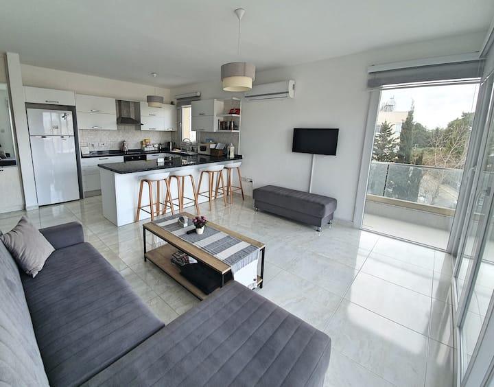 Grand Deluxe Apartment - Central Kyrenia/Girne