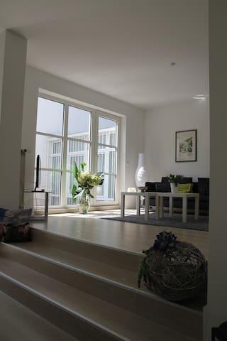 Großzügige Wohnung mit Flair / Comfortable Flat