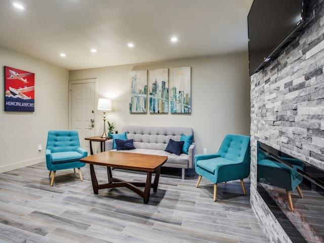 Luxury Condo near SMU, NorthPark & Greenville Ave