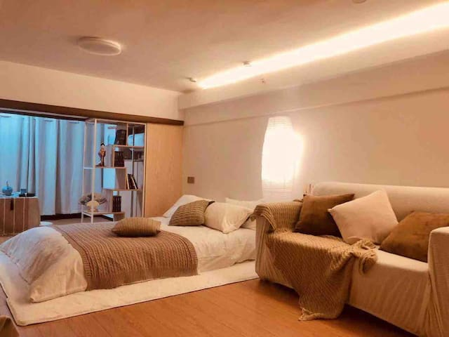 Sleepaway 睡吧 | 巨幕投影 日式和风房 提供华美和服 体验日式情调|莫干山海洋城|