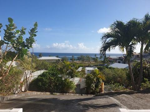 Charming Ocean View Guest Suite in Le Moule