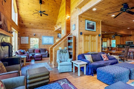 Dog-friendly log cabin w/wood stove & deck - near North Maine Woods
