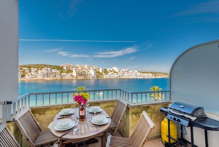 GetawaysMalta- Blue Harbour - Seafront 2-Bedroom