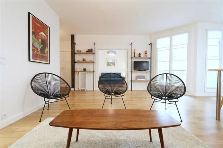 Amazing 3 rooms apartment Paris