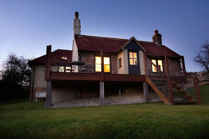 A chic coastal retreat in the Sussex countryside - East Sussex - Feriehjem