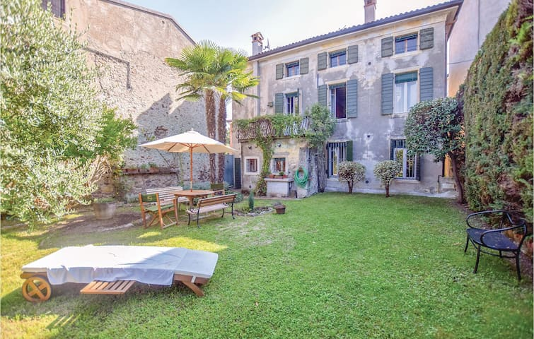 Holiday cottage with 6 bedrooms on 330m² in Pacengo di Lazise  VR