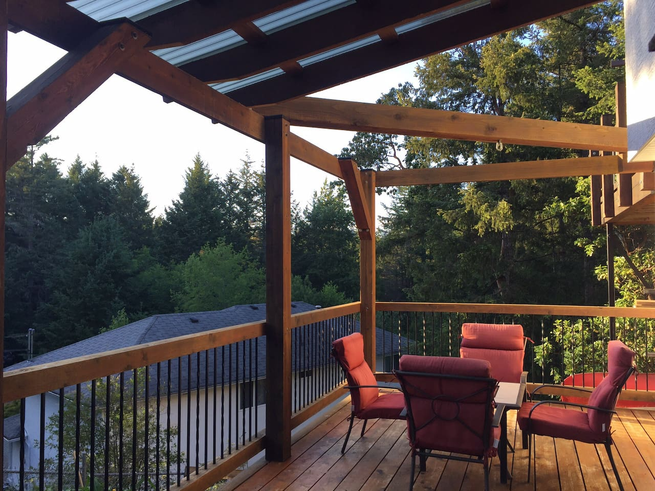 Private deck gets full sun in afternoon and evening, ideal for relaxing after a long day sight seeing. It is quiet and over looks Thetis Lake park.