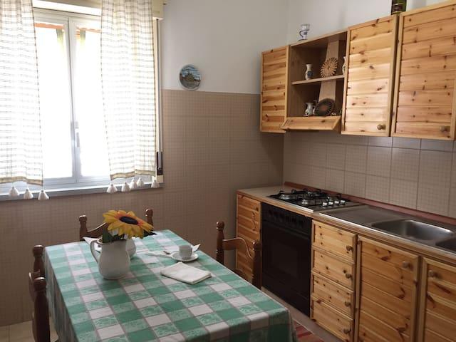 Accogliente appartamento centrale - Campofelice di Roccella - Byt