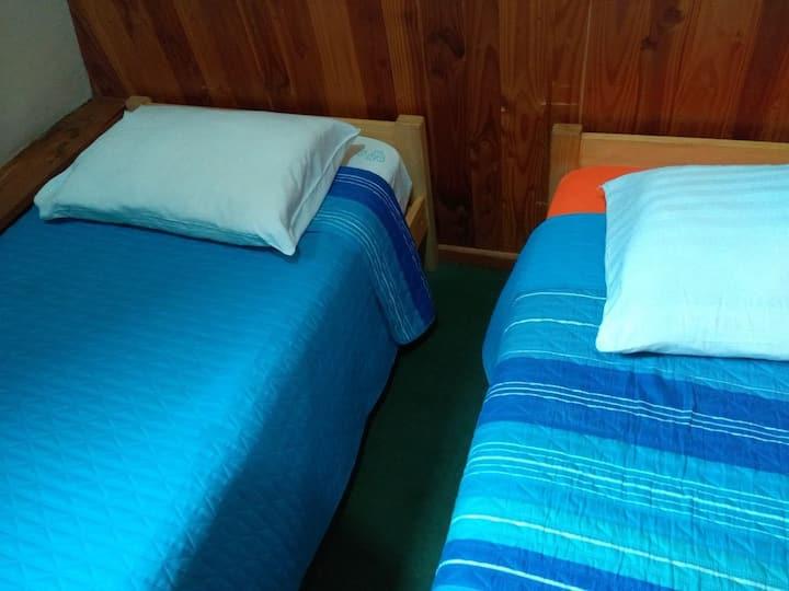 Habitacion doble con baño Compartido
