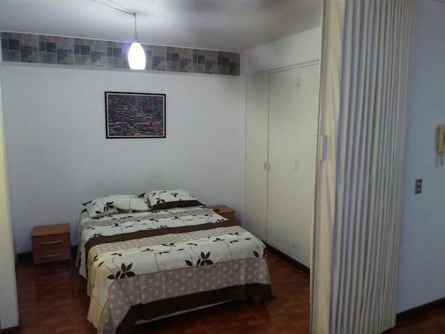 Seguro y bello en Altamira - Caracas - Apartment