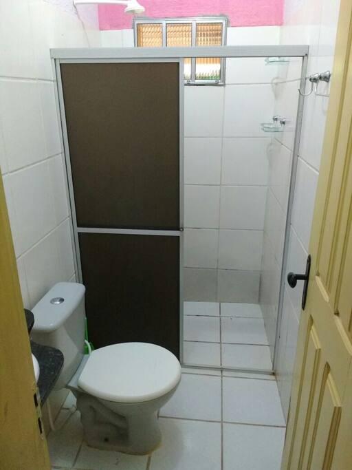 Banheiro compartilhado -  Shared bathroom