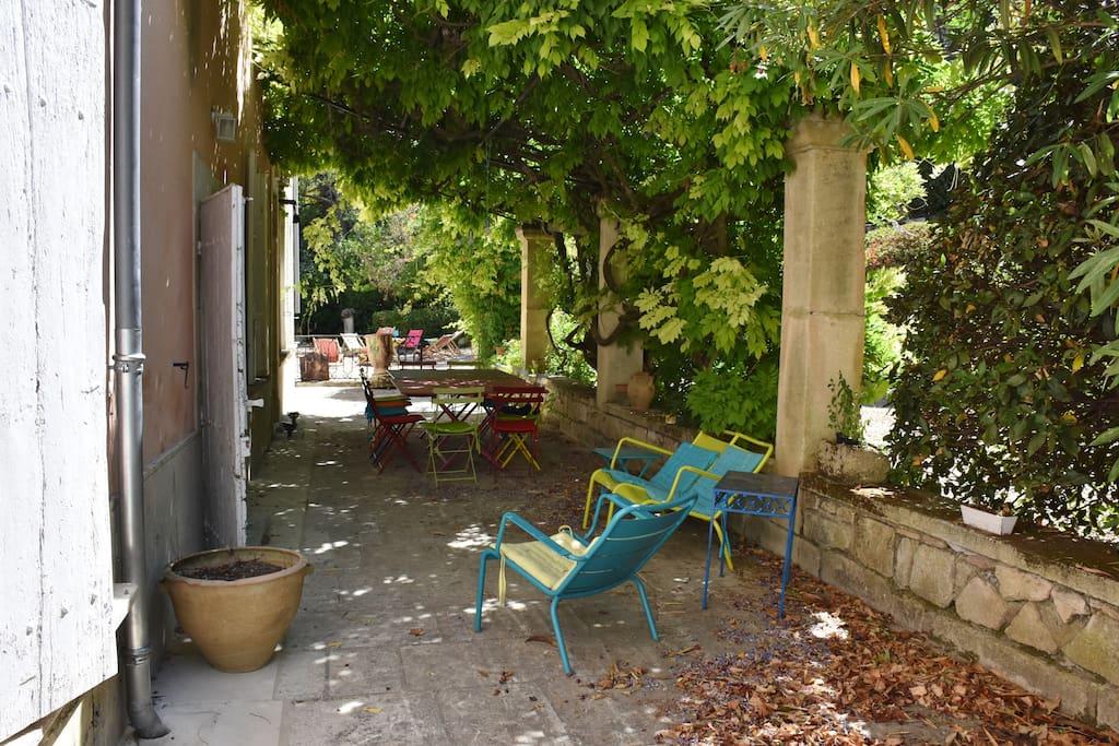 La terrasse ombragée - the shaded terrace