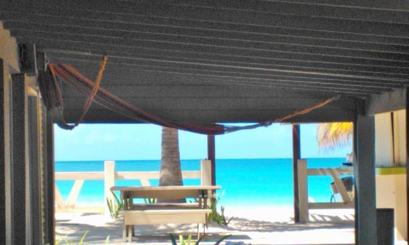 Located at  Flamingo Beach, Culebra, Casona 1D