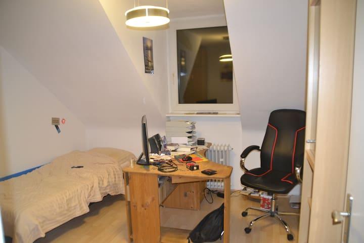 Schöne Wohnung in der Innenstadt - City Center - Aken - Appartement