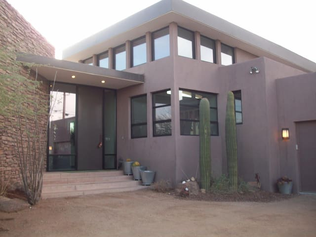 Luxury Phoenix Home Close to Downtown