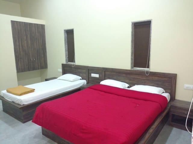 Anbassador Hotel - Satara - Heritage-Hotel (Indien)