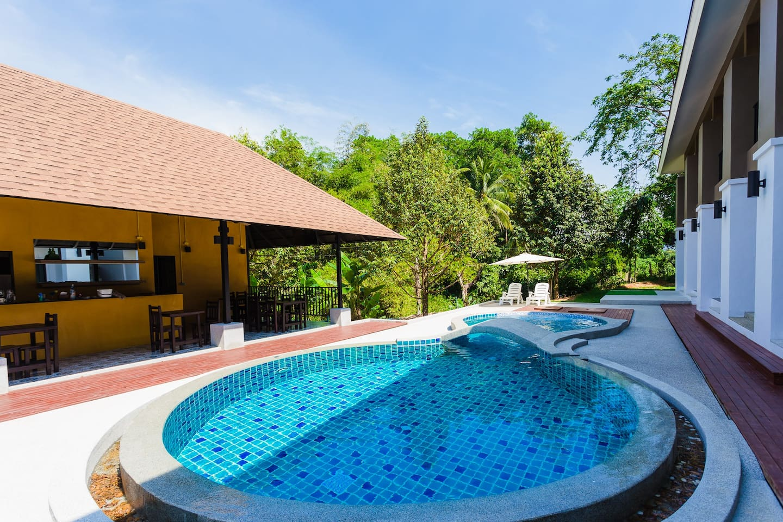 Retreat Khaolak Resort - Boutique hotels for Rent in Khuekkhak ...