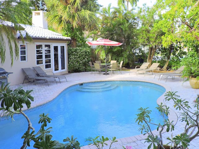 Casa Victoria Waterfront POOL/DOCK 2/2 for 6 - Fort Lauderdale - Talo