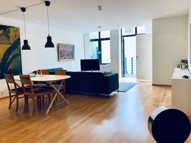 Bright and clean apartment close to everything