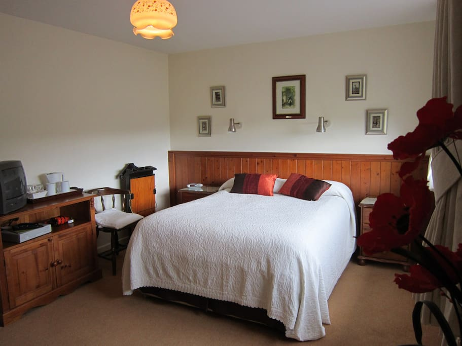 Spacious comfortable double room/en suite