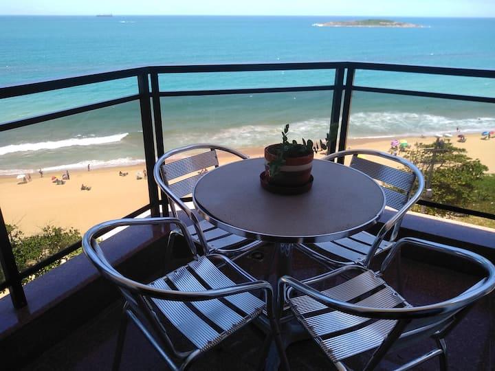 Apê frente p/ a Praia de Itaparica. Vila Velha-ES.